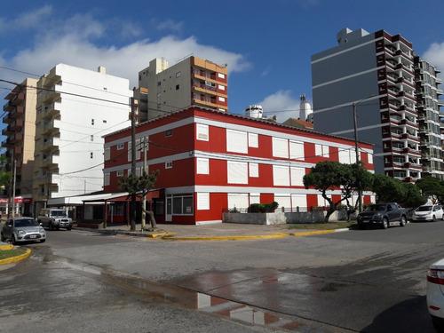Local En Garay Esquina Costanera