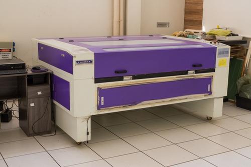 Máquina De Corte A Laser Com 2 Agulhas.