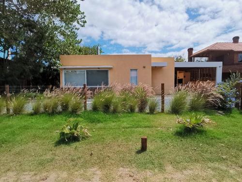 Casa Nueva Minimalista A Metros Del Mar (ref. 3915)