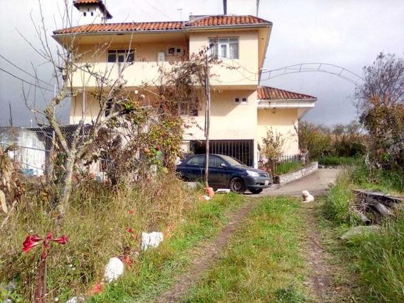 Casa Con Terreno Cultivable Y Árboles Frutales