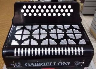 Acordeón Tri Gabrielloni 31 Botones Estuche Y Correas