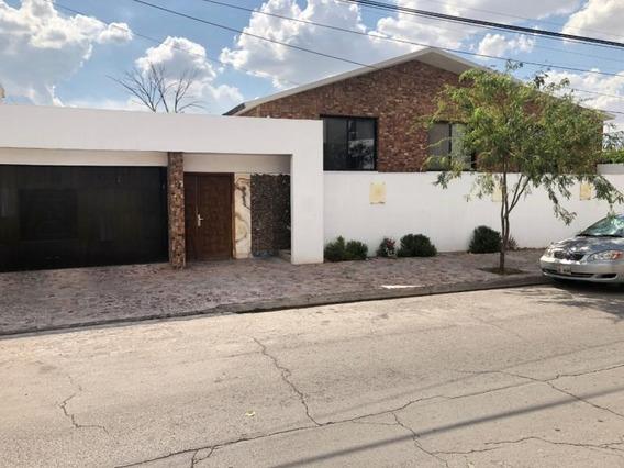 Casa Sola En Venta Col. Torreón Jardín