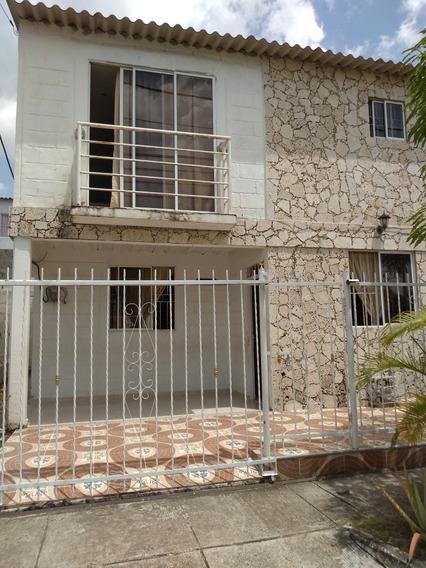 Se Vende Casa De Dos Pisos En Urbanización Bonanza, Turbaco.