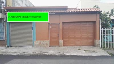 Se Vende Casa Con Espacio Comercial Desamparados Centro