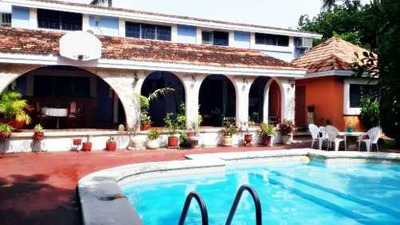 Venta De Imponente Residencia En San Antonio Cucul, A Una Cuadra De García Lavín