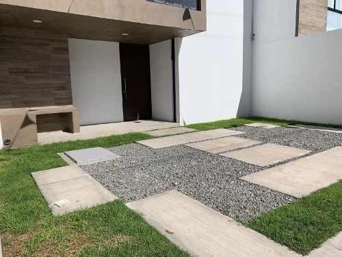 Casa Sola En Venta Fracc Valle De San Javier