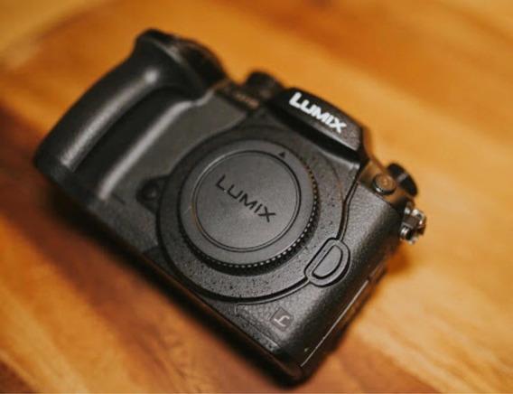 Câmera Panasonic Gh5 + Lente 20mm + Lente 8mm