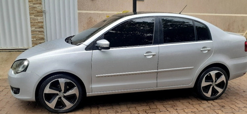 Volkswagen Polo Sedan 2013 1.6 Vht Total Flex 4p