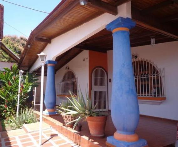 Casa En Venta Urb Privado La Mopra Ii Cod. 20-8748