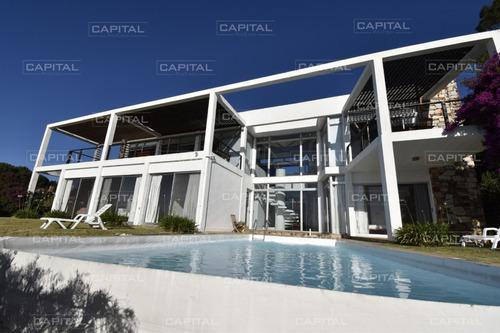 Espectacular Casa De Cuatro Dormitorios Con Vista Al Mar - En El Lomo De La Ballena-ref:30477
