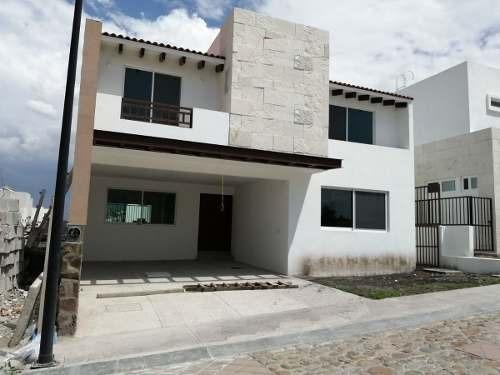 Se Vende Linda Residencia En La Vista Residencial, 4ta Rec En Pb, Doble Altura