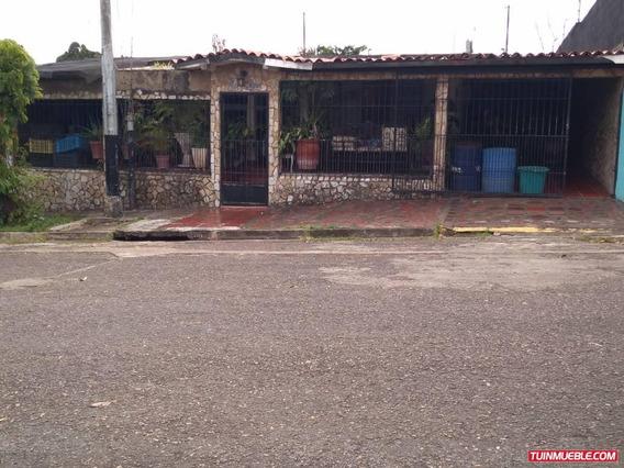 Casas En Venta Urb. La Esperanza