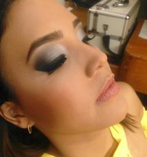 Maquillaje Profesional Y Diseño De Cejas