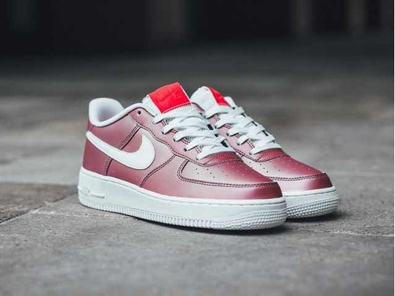 Nike Air Force Suela Blanca Track Red