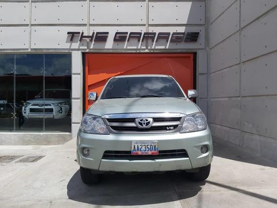 Toyota Fourtuner 2007