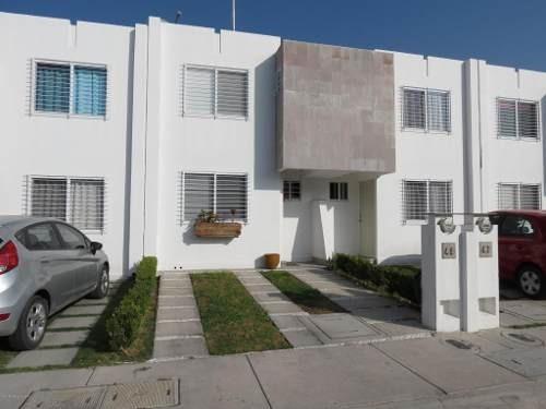 Casa En Venta En Vinedos, Queretaro, Rah-mx-20-144