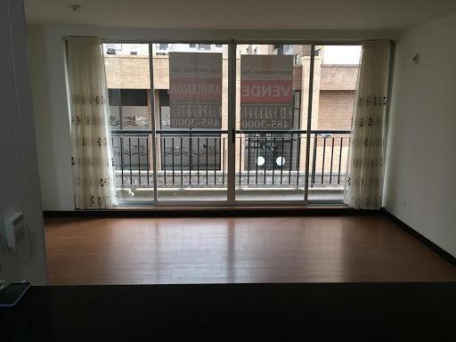 Apartamento En Venta Cantalejo 90-63352