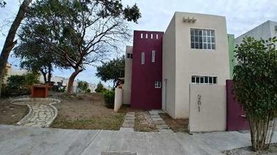 Casa En Venta En Punta Laguna, Altamira