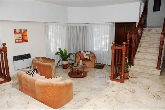 Casa 4 Ambientes, Pileta, Parrilla Y Cochera