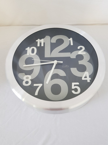 Reloj De Pared De Pilas