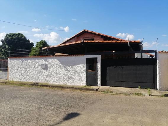 Casa En Alquiler Sageco Urb Cafinca Alto Barinas Sur