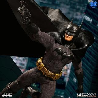 Dc Comics One: 12 Batman Mezco (sovereign Knight) - Ndtoys