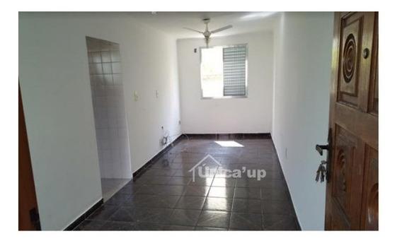 Apartamento Padrão Cohab Em Bom Estado, Com Piso Cerâmico Novo E Pintura Conservada - 5241
