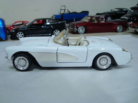 Miniatura Chevy Corvette 1957 Sunnyside 1/24 Branca #j44