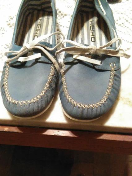 Zapatillas Con Cordón De Cuerina Número 35-36