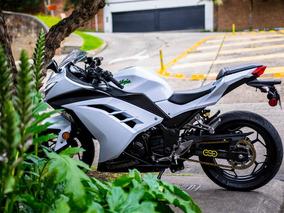 Moto Kawasaki Ninja300