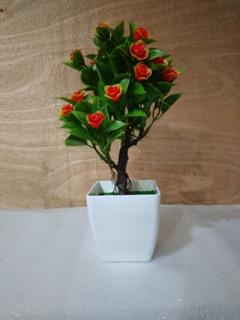 Decoración Arbolito Artificial Con Flores Rojas,base Blanca