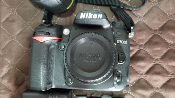 Câmera Nikon D7000 - Apenas Corpo - 12.100 Cliques