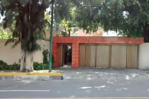 Casa En Venta Con Excelentes Espacios En Colinas De San Javier En Guadalajara