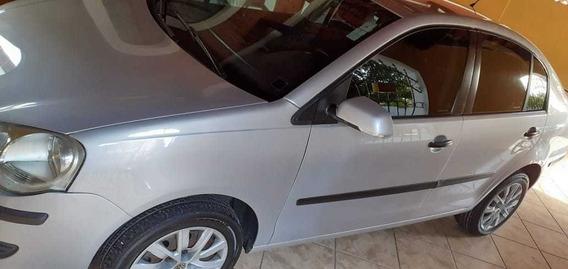 Volkswagen Polo Sedan 2010 1.6 Vht Total Flex 4p