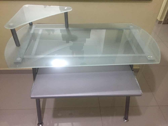 Escrivaninha / Mesa Para Computador Usada Com Tampo De Vidro