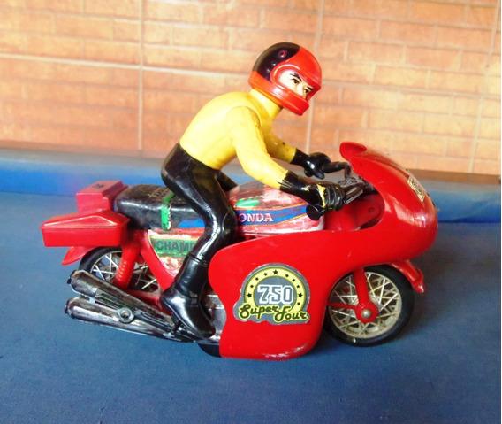 Moto De Brinquedo Antiga 750 Super Four, A Fricção