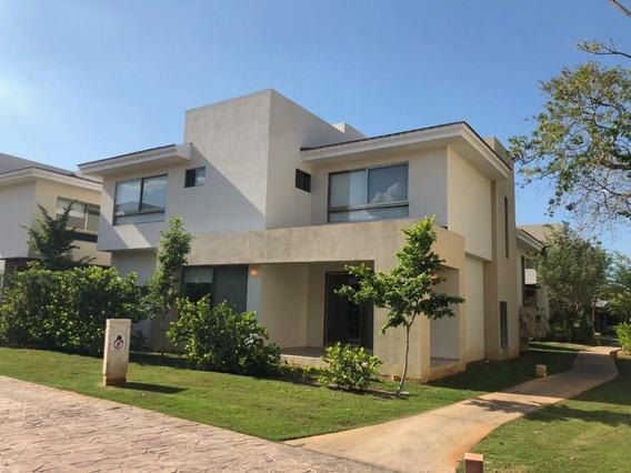 Casa En Renta En Yucatán Country Club, Privada Serena