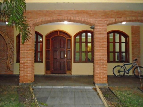 Imagem 1 de 15 de Casa Para Venda Em Araras, Jardim Universitário, 3 Dormitórios, 3 Suítes, 3 Banheiros, 6 Vagas - V-056_2-728297
