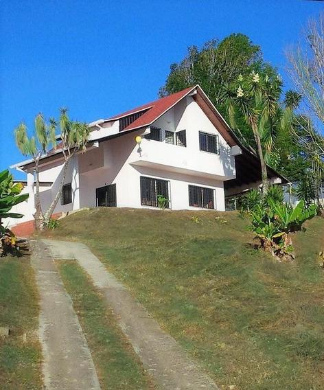 Casa Tipo Chalet Ubicado En El Valle