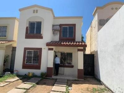 Casa Sola En Venta Urbivilla Del Cedro