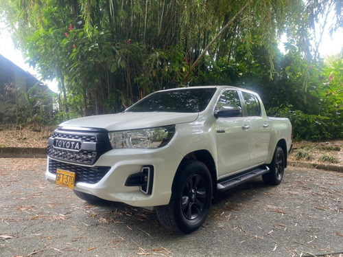 Toyota Hylux Srv