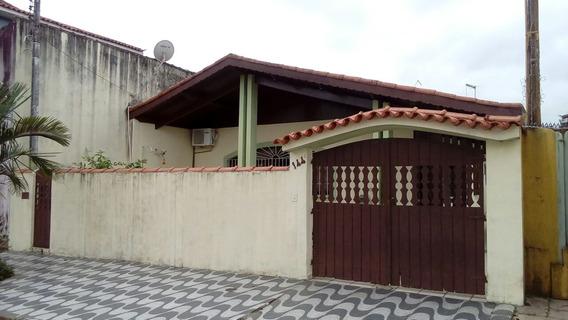Ampla Casa Com Três Dormitórios Uma Suíte , Ref. 3451 L C