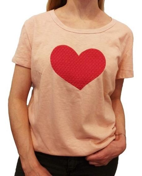 Remera Mujer Bordada Corazón Manga Corta