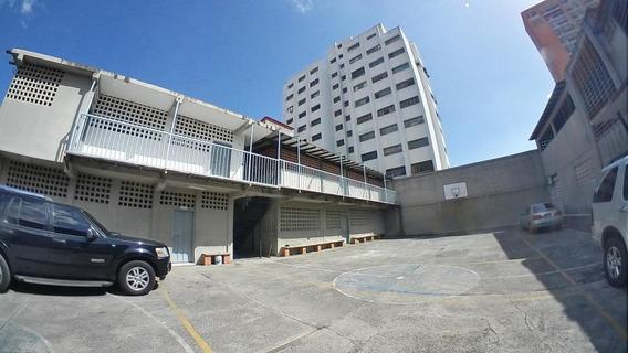 Comercial En Barquisimeto Av Pedro Leon Flex N° 20-9960 Lp