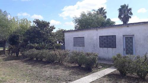 Casa 2 Dormitorios Con Amplio Terreno Sobre Esquina