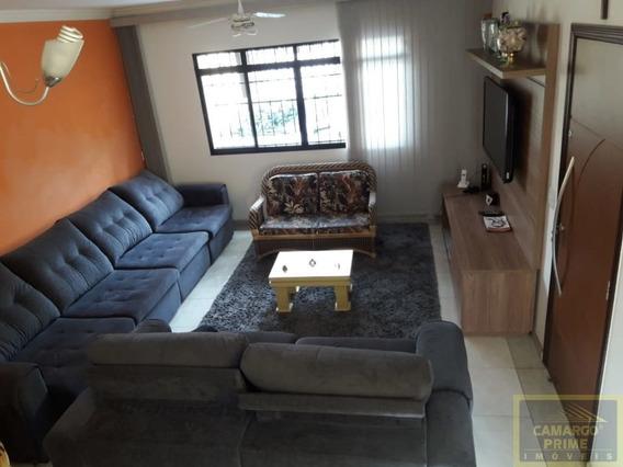 Lindo Sobrado, 4 Dormitórios, Sendo Uma Suíte, Living Para 2 Ambientes! - Eb85597