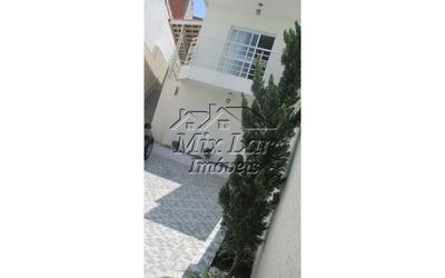 Casa Assobradada No Bairro Jardim Santo Antonio - Osasco - Sp, Com 220 M² De Área Construída Sendo 3 Dormitórios Com 1 Suíte , Sala, Cozinha, Banheiro E 3 Vagas De Garagens