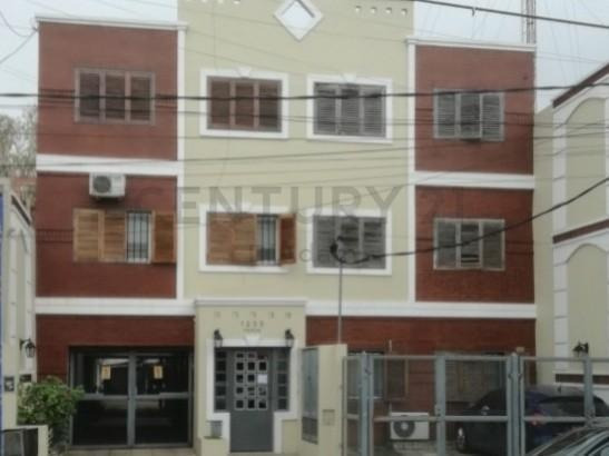 Villa Sarmiento 3 Amb Con Cochera - Como Nuevo- Apto Credito-oportunidad!!!
