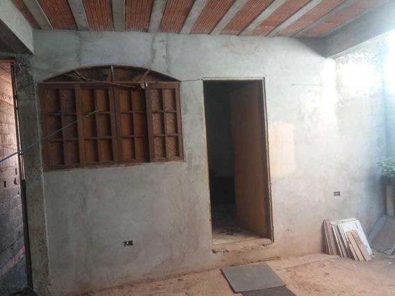 4 Dormitórios, 2 Cozinhas 1 Salas, Garagem - 2 Andares