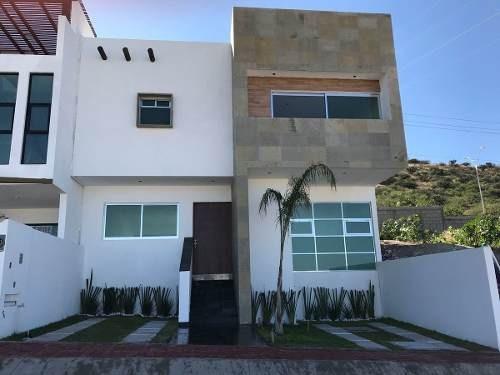 ¡¡ Hermosa Casa Con Roof Garden Con Jacuzzi En Punta Esmeralda !!